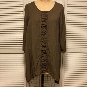 Et'Lois dark olive green tunic w/ rushing USA made